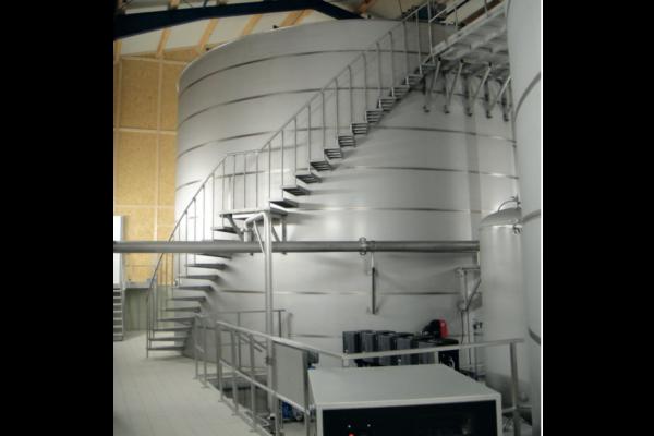 Rustfri rentvandstank til rent drikkevand