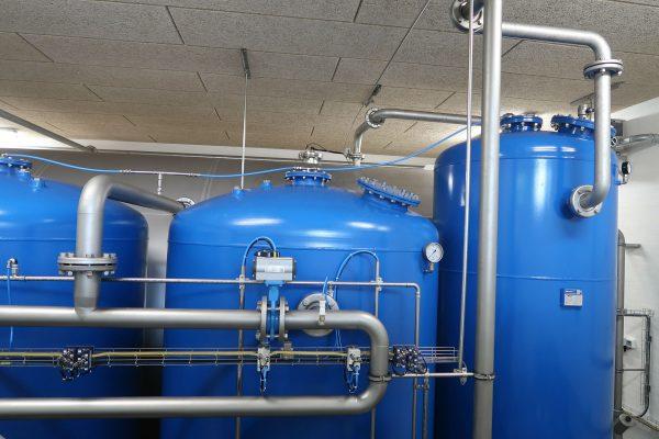 Kulfilteranlæg med aktivt kul til rensning af drikke vand