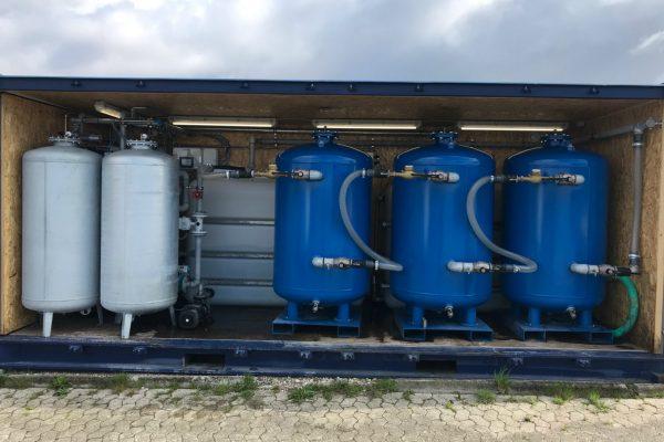 Mobilt aktivt kul anlæg til at rense drikkevand