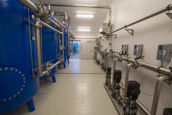 Trykfilter og udpumpningsanlæg til drikkevand