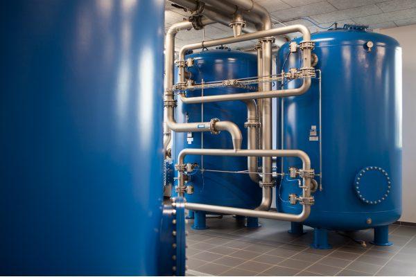 Trykfilteranlæg til rensning af vand